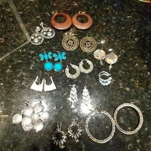 Lot of costume earrings 12 pair